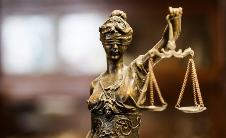 Magistrații resping pe bandă rulantă modificările la legile Justiției