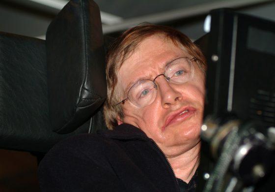 Site-ul Universității Cambridge, blocat de avalanșa de accesări pentru teza de doctorat a lui Stephen Hawking