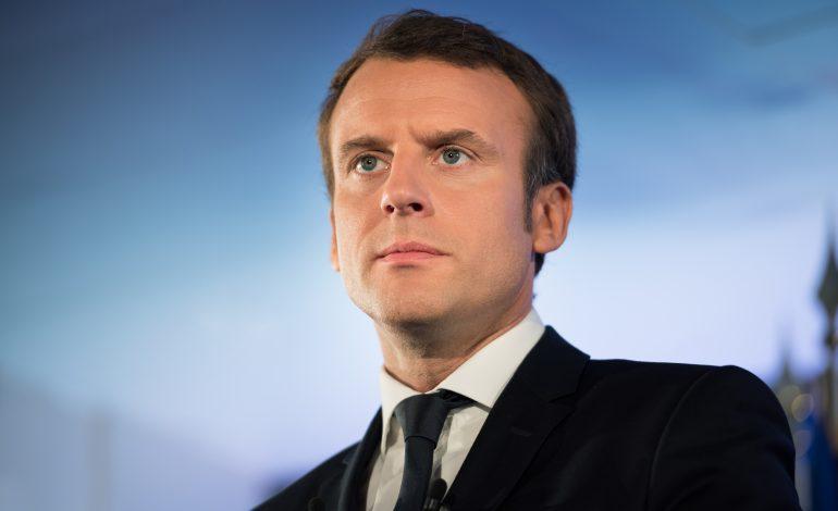 Emmanuel Macron a ridicat starea de urgență