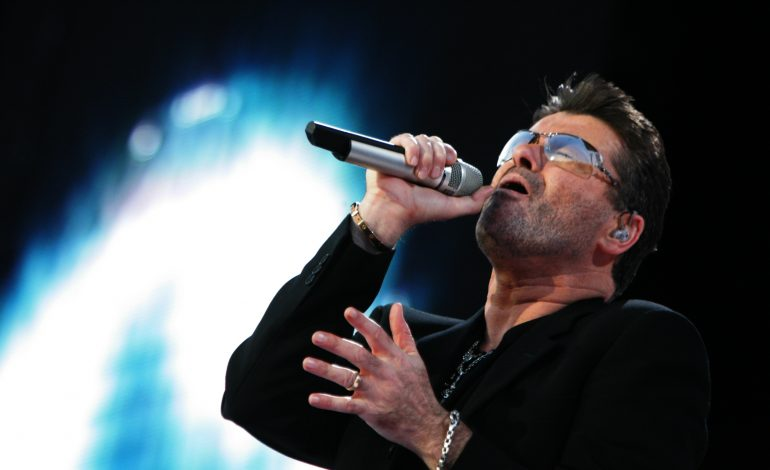 George Michael, din nou în Top