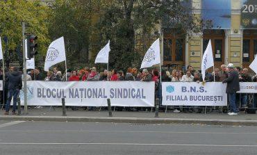Sindicatele sesizează miercuri Avocatul Poporului în legătură cu transferul contribuțiilor sociale de la angajator la angajat