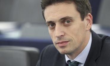 Încă un europarlamentar îl critică dur pe liderul PSD: statul paralel este însuși Liviu Dragnea, un om putred de bogat