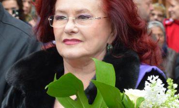 Sute de persoane i-au adus vineri un ultim omagiu regretatei actrițe Stela Popescu