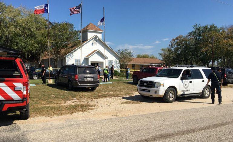 26 de morți și 20 de răniți într-un atac armat la o biserică baptistă din Texas