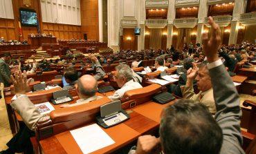 Camera Deputaţilor a cheltuit într-o lună peste 1,5 milioane de euro