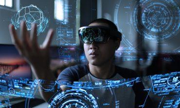 """""""Computerul holografic"""" HoloLens ajunge şi în România. Vezi cât costă!"""