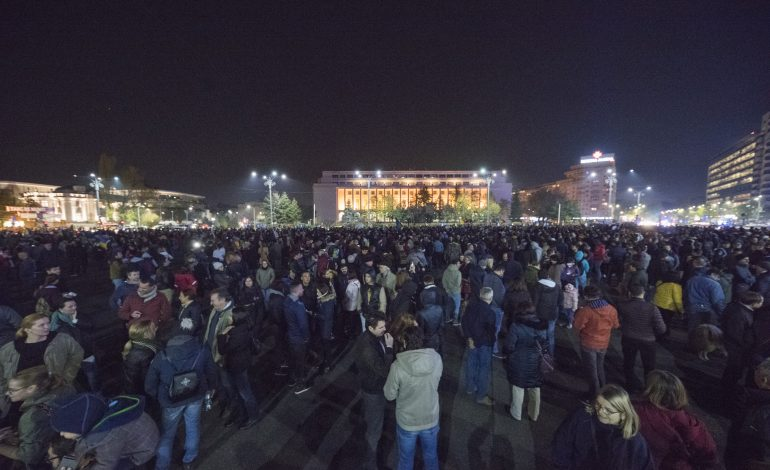 Un pas mic pentru Dragnea, un salt uriaș pentru România. Apel la o nouă duminică de proteste în stradă