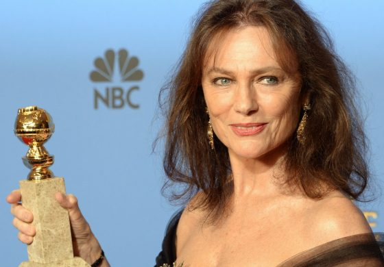 Actrița Jacqueline Bisset: Happy 99th aniversary of your beautiful country – Romania!