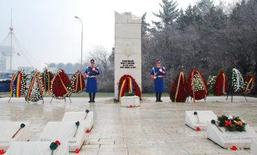 Ceremonial militar și religios la Monumentul Eroilor Jandarmi de la Aeroportul Otopeni, pentru eroii martiri din decembrie 1989