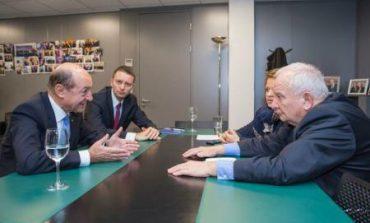 Traian Băsescu a discutat la Bruxelles cu oficiali europeni despre accelerarea proceselor de integrare a României în Schengen