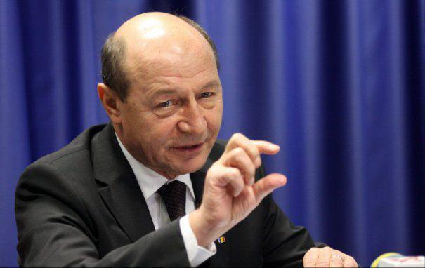 Traian Băsescu, replică pentru Tudorel Toader: Prostia că o să mergem la CCR e o glumă pentru studenți de anul I la drept
