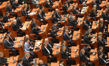 Vot final la proiectul de modificare a Legii privind statutul judecătorilor și procurorilor; 179 voturi pentru, 90 împotrivă