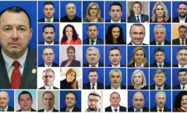 """Lepădarea de Cătălin Rădulescu. De la """"eu n-am semnat așa ceva"""" până la """"râd și curcile de noi"""""""