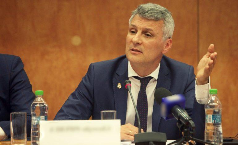 Daniel Zamfir (PNL): S-a vrut capul lui Zamfir, domnul Orban îl are, dar vreau să îi spun un lucru: eu sunt o nucă tare