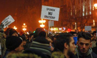 """USR anunță că PSD vrea """"să ningă cu grațieri"""" până la Crăciun"""