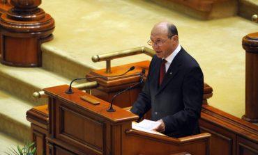 Traian Băsescu, către senatorii PSD: Nu încercaţi să mai aruncaţi în trecut tot ce n-aţi făcut. Aruncaţi în capul vostru tot ce n-aţi făcut