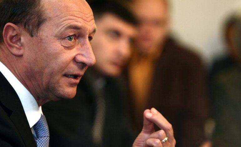 Traian Băsescu: Nu sunt de acord cu prag la abuzul în serviciu. Pragul va permite foarte multor ticăloşi să scape