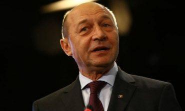 Traian Băsescu, după eșecul moțiunii de cenzură: Şică Mandolină, decât să te mai dai preşedinte al partidului brătienilor, mai bine îţi cauţi un loc de muncă