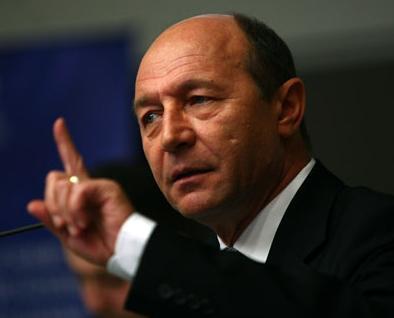 Traian Băsescu, mesaj către Iohannis: Nu lăsaţi moştenire doar Palatul Cotroceni şi grădina!