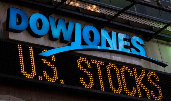 Indicele Dow Jones al Bursei de la New York se apropie de maximul istoric de 25.000 de puncte