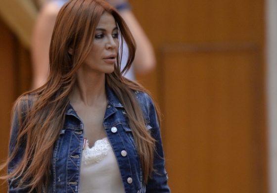 Andreea Cosma a depus o plângere penală la IGPR, pentru mesajele de ameninţare pe care le-ar primi pe telefon