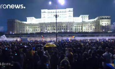 """VIDEO Euronews, despre """"Marşul românilor pentru justiţie"""": Mulţi politicieni români sunt investigaţi pentru corupţie şi încearcă acum să modifice sistemul judiciar care îi face responsabili"""