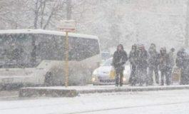 Şcolile din Capitală vor fi închise luni şi marţi. Noi avertizări emise de meteorologi - ninsori şi viscol în Bucureşti şi în judeţele din sudul şi estul ţării, începând de luni