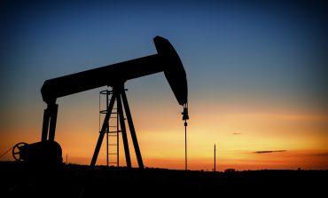Prețul petrolului explodează după anunțul reluării sancţiunilor americane împotriva Iranului