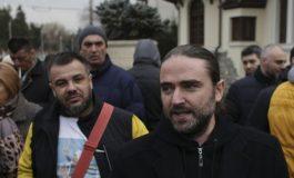 Protest cu portocale, în faţa Palatului Cotroceni. Participanţii s-au îmbrâncit cu câţiva reprezentanţi ai mişcării #Rezist