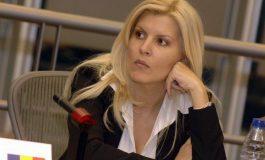 Elena Udrea a confirmat că este în Costa Rica, că s-a văzut cu Alina Bica, dar şi că este însărcinată cu gemeni