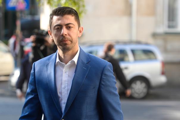 SURSE Vlad Cosma ar fi plecat din România