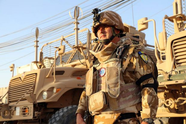 Militarul român Mădălin Stoica, căzut la datorie în Afganistan, a fost decorat post-mortem de Departamentul de Stat al SUA