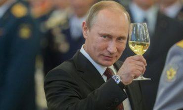 Vladimir Putin a obţinut un nou mandat de şase ani la conducerea Federaţiei Ruse, în urma alegerilor de duminică