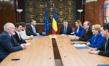 Adevărul, Liviu Avram: RoExit, al doilea pas?