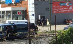 Atac cu luare de ostatici, revendicat de SI, în localitatea Trèbes din sudul Franţei. Cel puţin două persoane au murit, după ce atacatorul a deschis focul