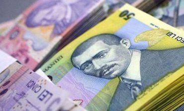 România, cea mai mică masă salarială din UE. Toţi angajatorii au plătit anul trecut salarii de 67 de miliarde de euro, reprezentând 37% din PIB
