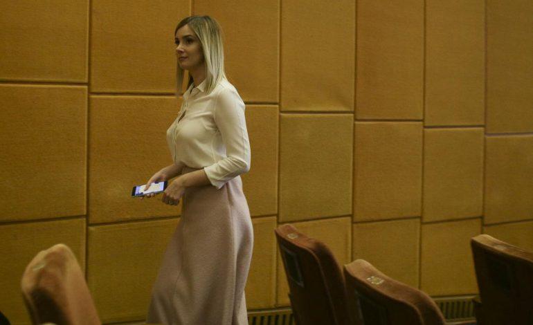 Irina Alexandra Tănase, iubita lui Liviu Dragnea, a lucrat pentru Sebastian Ghiță