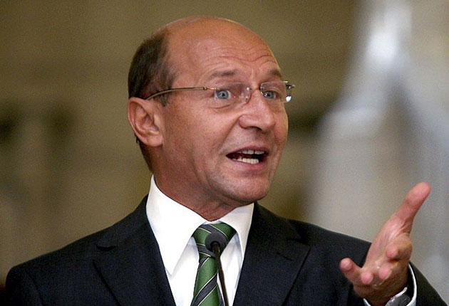 Traian Băsescu: Înainte să faci o plângere penală premierului, trebuie să te uiți în Constituție, măcar puțin