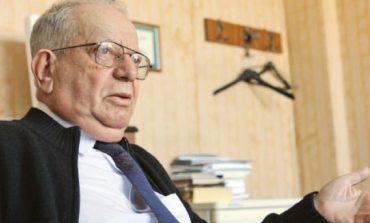 Teodor Brateş, principalul crainic în timpul Revoluţiei din decembrie 1989, urmărit penal pentru infracţiuni contra umanităţii