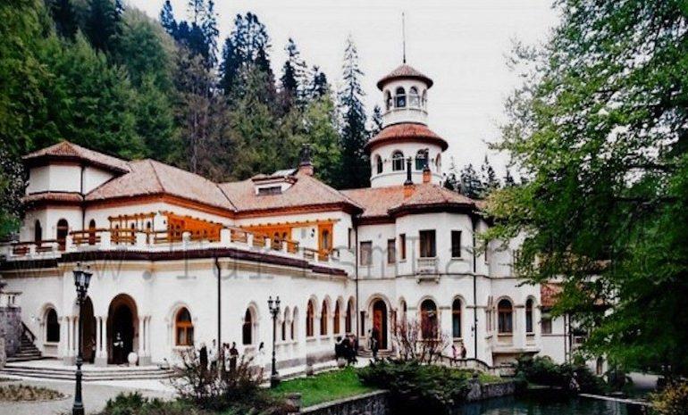 UPDATE Liviu Dragnea, cu iubita și fiul – vacanță de Paște în Castelul Foișor, renovat pentru Ceaușescu