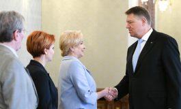 Klaus Iohannis va media o întâlnire între reprezentanţii Guvernului şi cei ai BNR