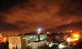 SUA, Marea Britanie şi Franţa au atacat ţinte din Siria. Rusia: Astfel de acţiuni nu rămân fără consecinţe