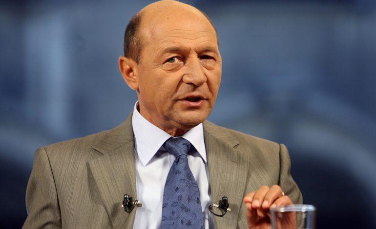 Traian Băsescu: Iohannis iese câştigat şi pe plan internaţional şi şi-a satisfăcut şi electoratul dur, cei de la #Rezist