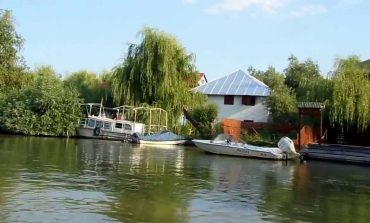 Dezvoltatorii, liber la construit hoteluri și restaurante pe orice petec de pământ din rezervația Deltei Dunării