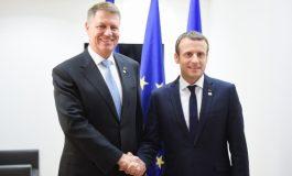 Emmanuel Macron: Salut munca președintelui Iohannis, care nu își lasă țara din mână