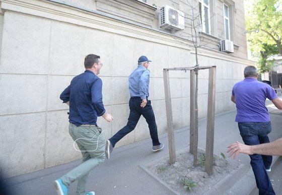 La ieşirea de la DNA, fostul patron al Tel Drum Marian Fişcuci a luat-o la fugă