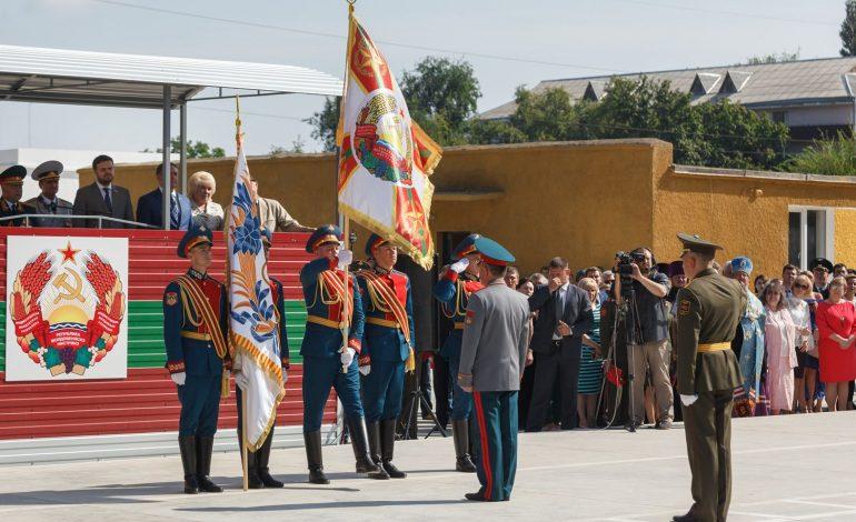 Trupele ruse din Transnistria au defilat la parada de 9 mai din Tiraspol, ignorând cererea Chişinăului de a se abţine de la participarea la acest eveniment
