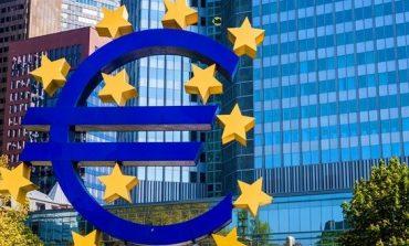 Erste: Fondurile europene destinate României ar putea scădea semnificativ, cu un impact de 1,2% din PIB