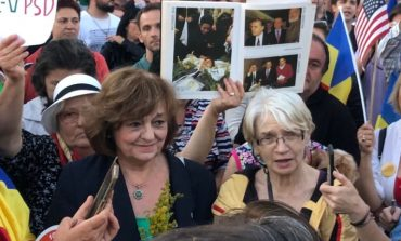 Peste 2000 de persoane au protestat în Piața Victoriei. Ana Blandiana le-a vorbit protestatarilor