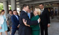 VIDEO Viorica Dăncilă, campioană la gafe: A uitat cum îl cheamă pe premierul Estoniei în plină conferință de presă comună